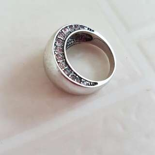 Minimalistic Silver Toned Ring With Rhinestone Detail Size L