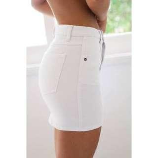 🦋Tight White Denim Skirt Size 6🦋
