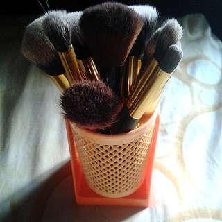 tempat brush / kuas make up