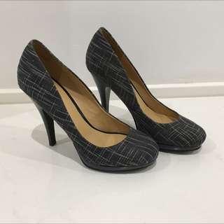 Nine West Smoochmeo Black Stilettos Size 7M