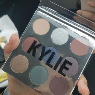 KYLIE COSMETICS Kyshadow Holiday