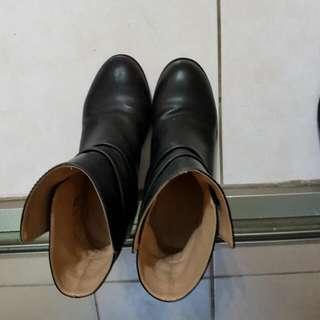 23號(36號)黑色短靴