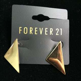 Forever21 耳針式耳環 降價