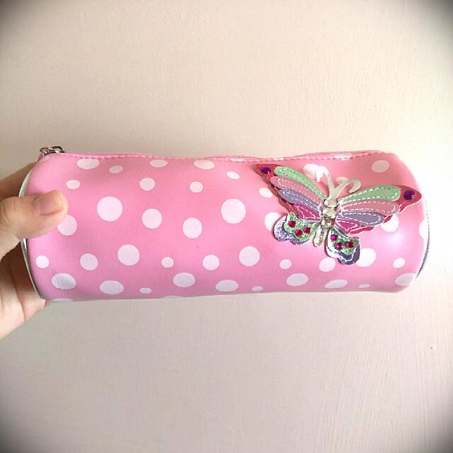 [ 全新 ]日系皮製點點滿版蝴蝶圓筒鉛筆盒