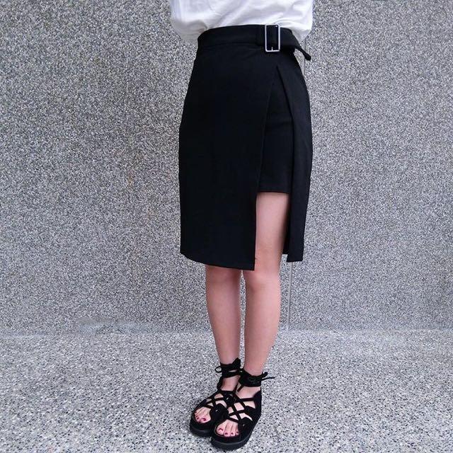 全新方釦及膝裙
