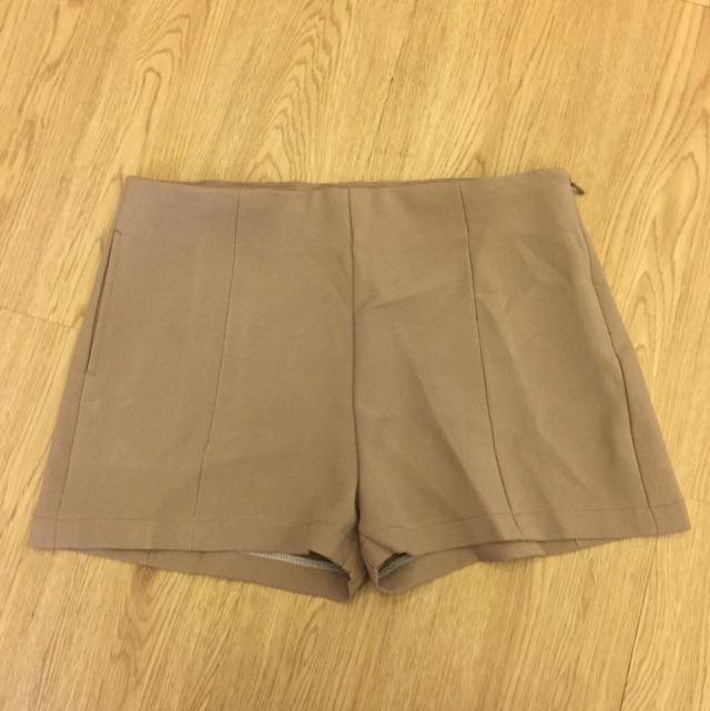 Cream Short Pants