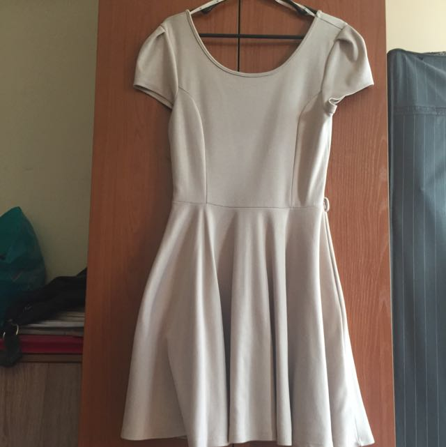 Forever 21 dress Color Taupe