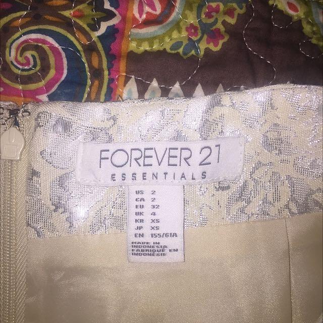 Forever 21 Silver & White Floral Mid Skirt