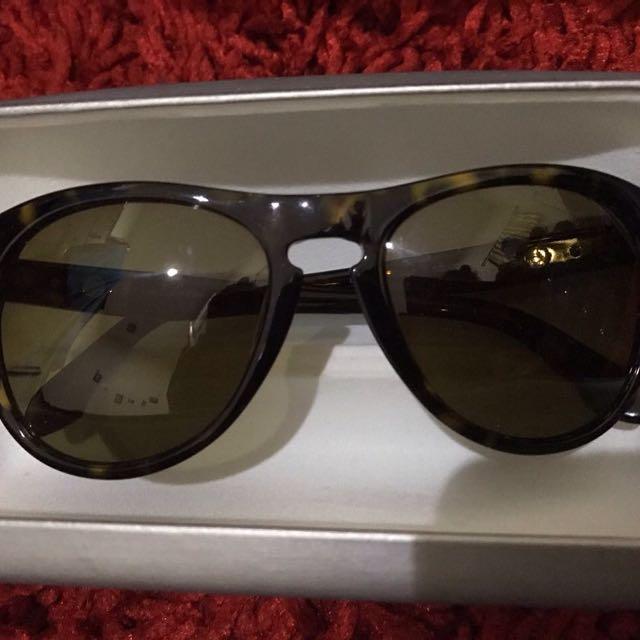 Kacamata Calvin Klein (asli)