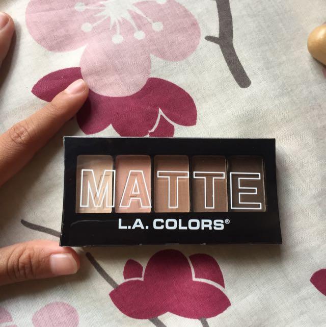 LA Colors Matte Eyeshadow Tan Khaki