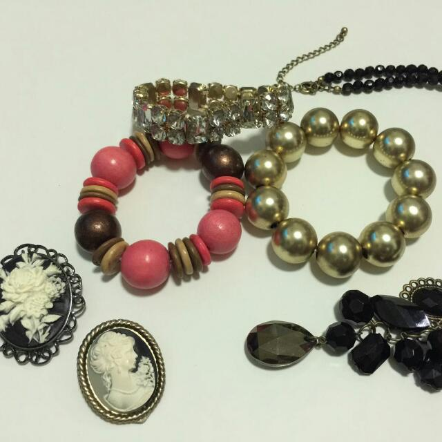 Mixed costume jewellery