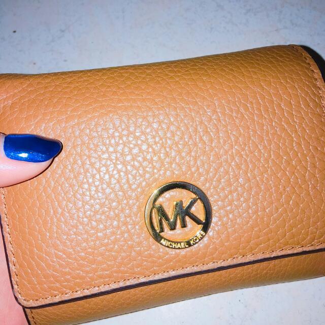 MK 荔枝紋小logo零錢包 短夾(駝色)