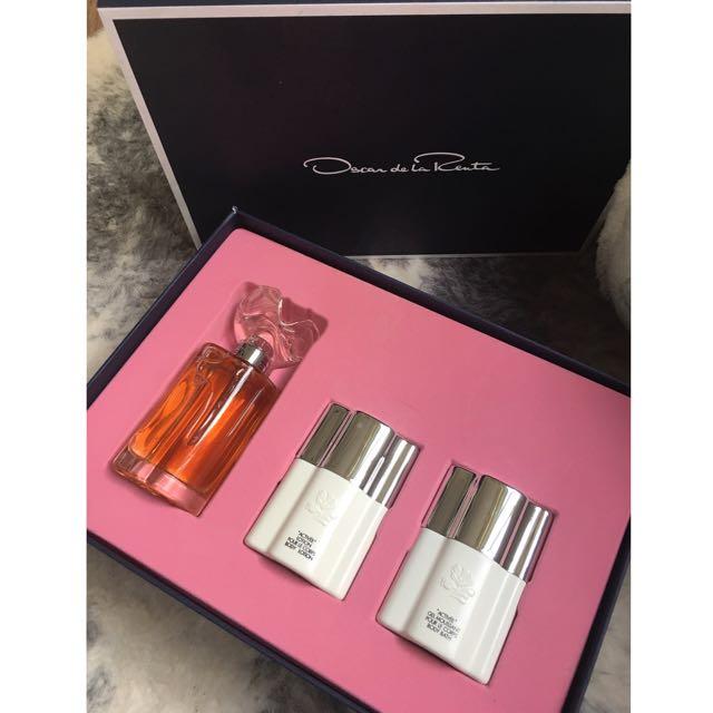 Oscar De La Renta Perfume Set