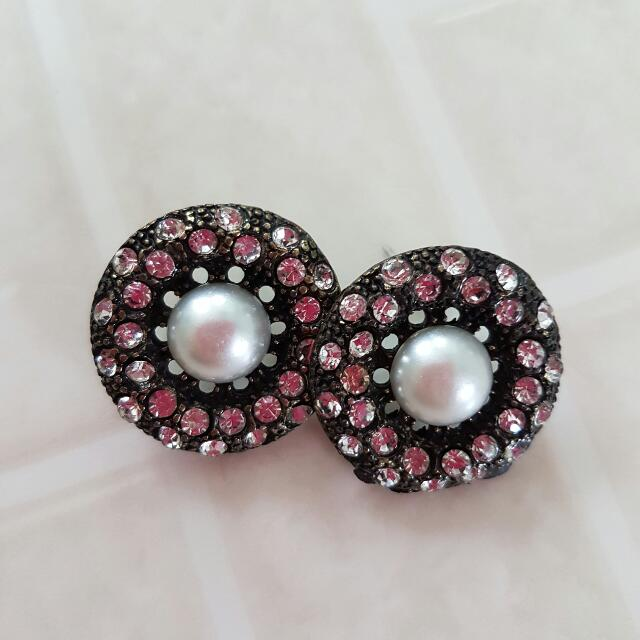 Oversized Fashion Earrings With Pearl And Rhinestone Detailing