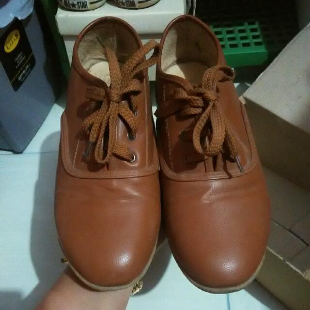 Sepatu Kulit Yongki Komaladi Coklat