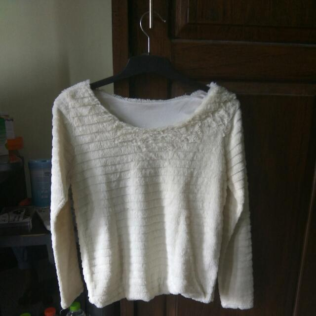 Sweater Bulu (REPRICE)