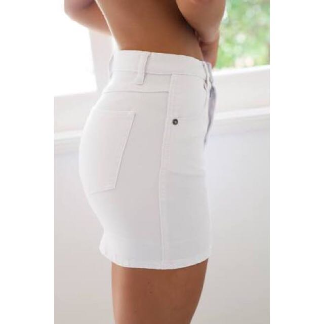 🦋Tight White Denim Skirt Size 6🦋