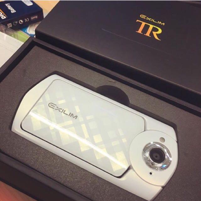 TR50 CASIO 16G群光公司貨 有包膜+電池x2+旅充+相機包+
