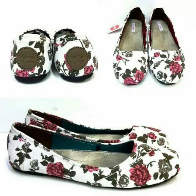 Sepatu Wakai (Women Shoes)