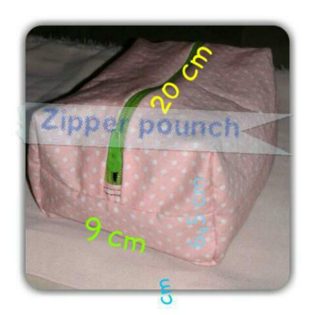 Zipper Makeup Pounch Polcadot