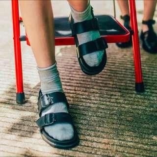 百搭復古涼鞋