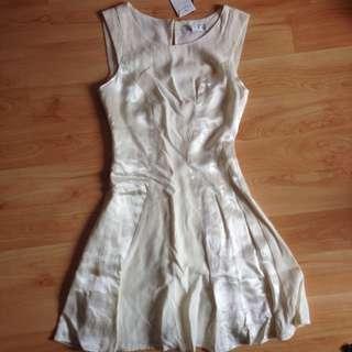 Brand New Forever New White Satin Dress Size 4-6