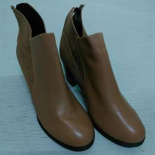 🚚 踝靴。短靴。大地色
