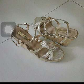 Marie Claire Cute Wedges