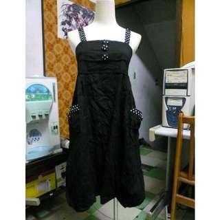 [二手] 黑色細肩有口袋澎澎裙襬洋裝 有內裡 可單穿或搭配內搭褲