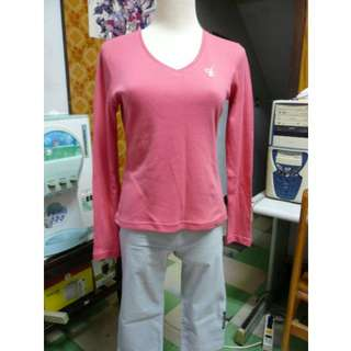 [全新] 專櫃品牌ANKL 長袖V領桃紅色上衣 T恤 有蝴蝶的鑲鑽圖案
