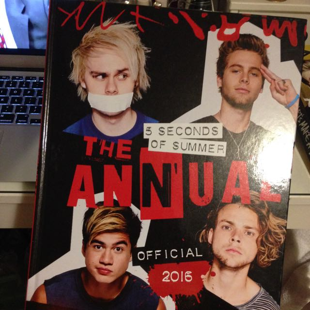 5SOS The Annual Official 2016