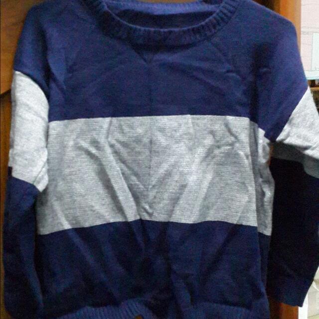 灰藍條紋針織上衣