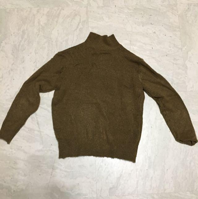 半高領墨綠毛衣
