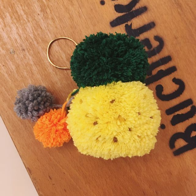[pompombyzen] 吊飾 鳳梨 毛線球 鑰匙圈