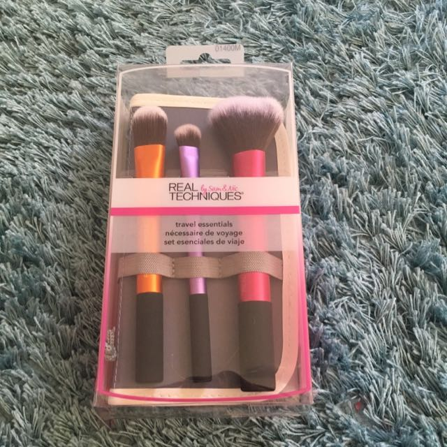 Authentic Real Techniques Travel Essentials Makeup Brush Set BNIB