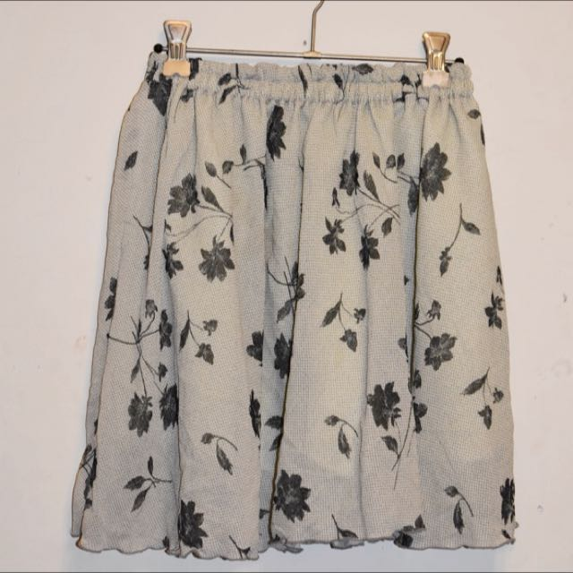 Flowy Floral Summer Skirt Size 6-10