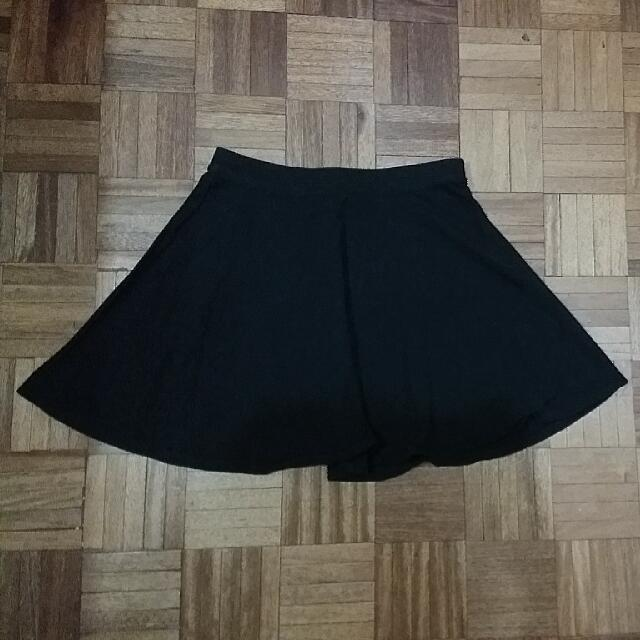 Forever 21 Plain Black Skirt