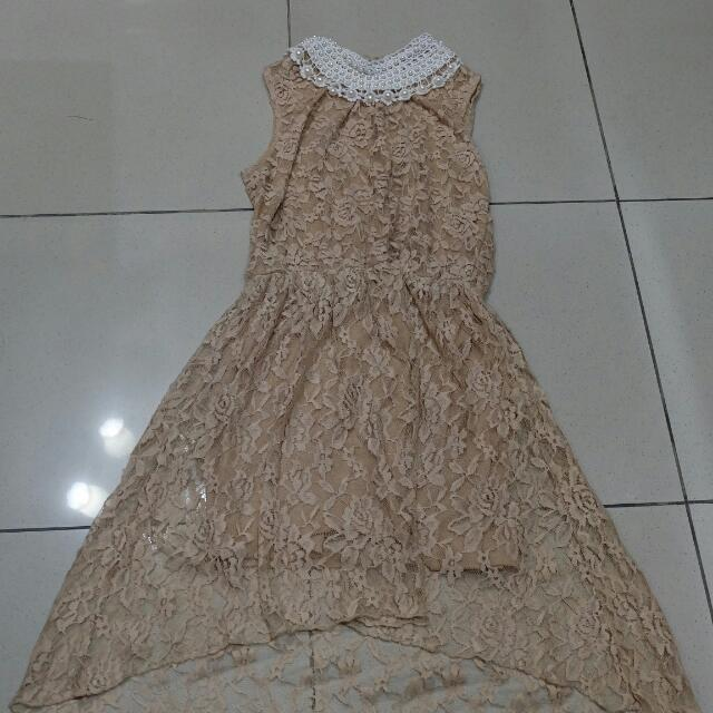 Laced Dress With Pearls