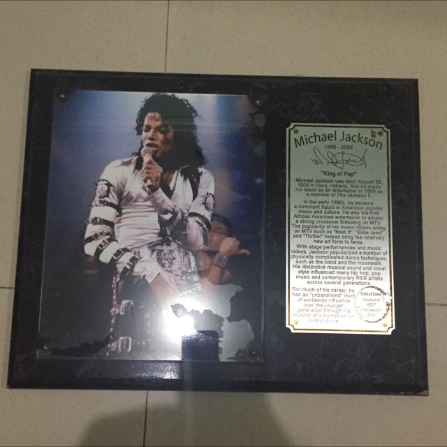 Michael Jackson Biography And Autograoh Official