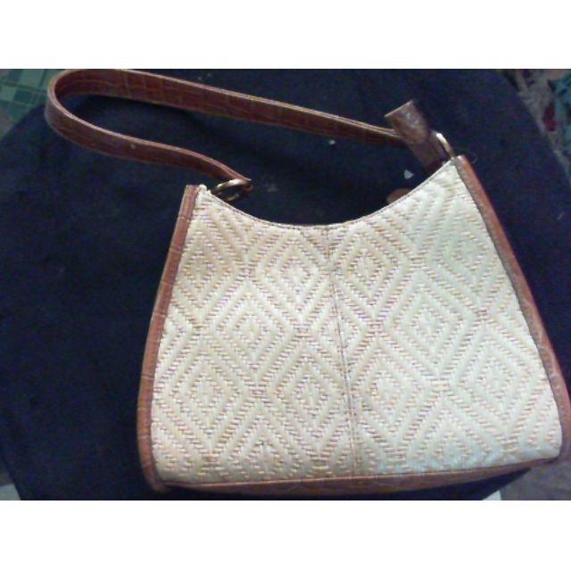 native mini hand bag Liz clairborne (repriced)