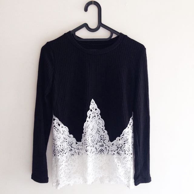 NEW - Black And White Knit Brokat - Bangkok