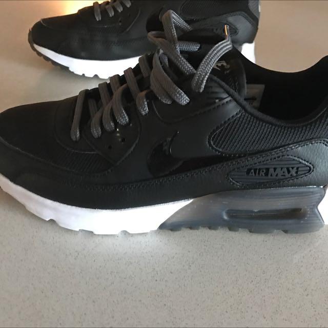 Nike Air Size 7