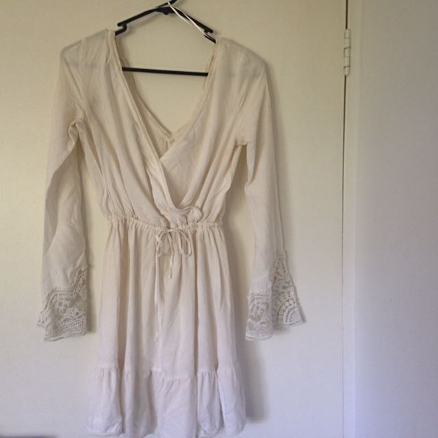 Off White Dress Lace Sleeve