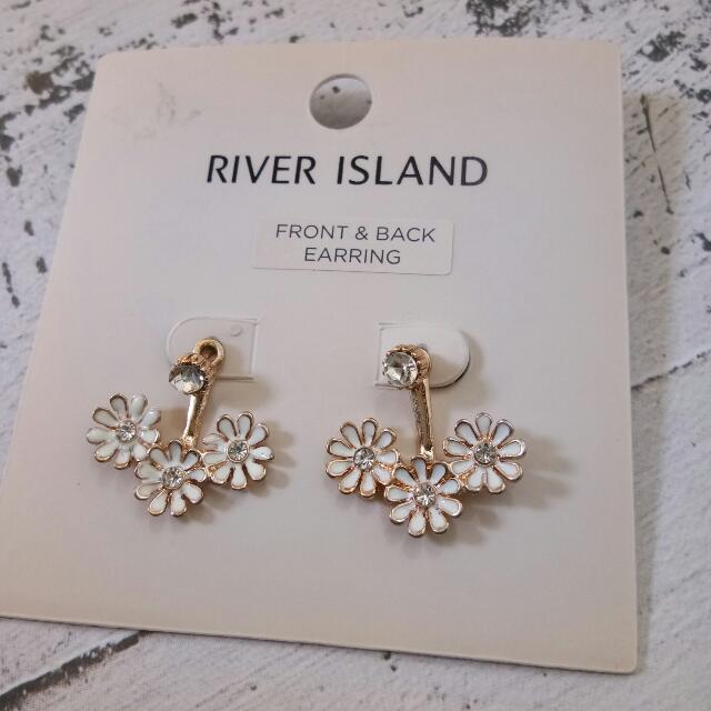 Preloved river island earring