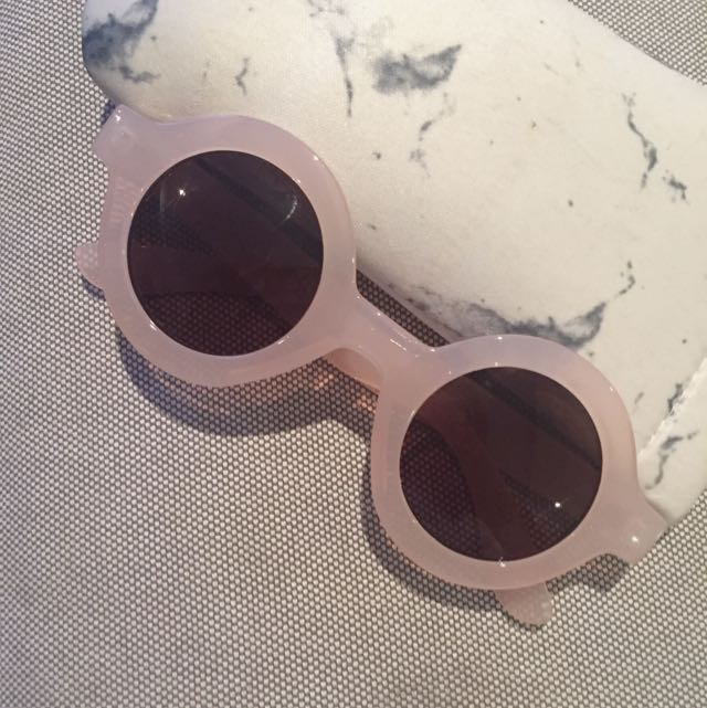 Pull And Bear Round Pink Resin Sunglasses