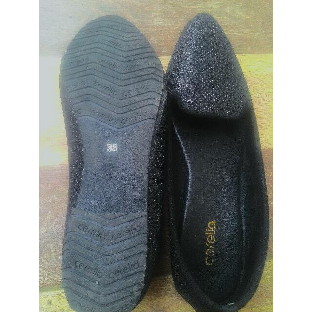 [REPRICED] BLACK FLAT SHOES CERELIA