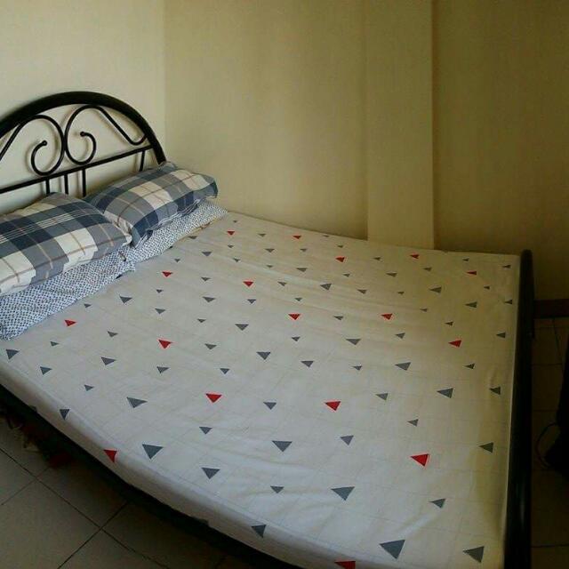 Salem Twin Bed