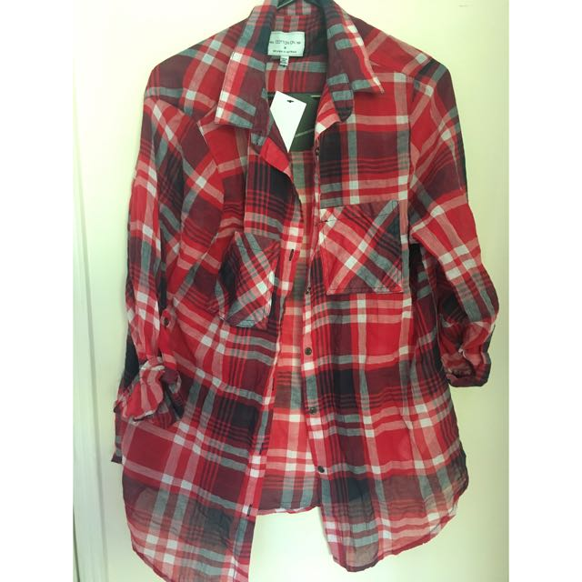 Size M Red Button Up - Cotton On