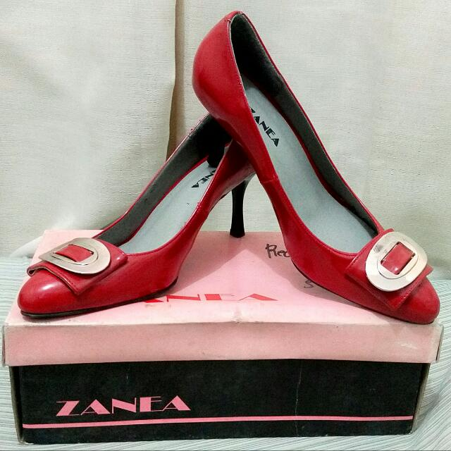 Zanea Red Metal