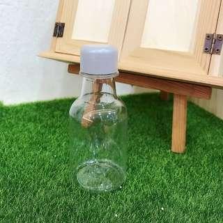 Door gift wedding plastic bottle